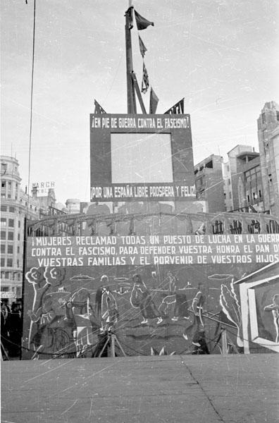 Recopilación de carteles de propaganda comunista - Página 2 7a00015